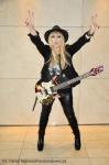 Maryla Rodowicz z gitarą rock niepodległości
